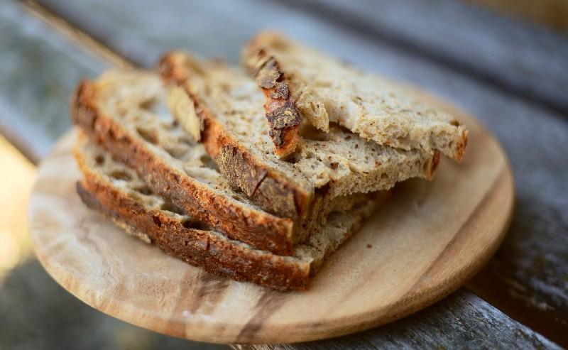 tranche de pain découpées grâce à une trancheuse à pain